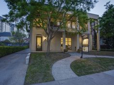 A great live/work home in Uptown includes office space and workout studio downstairs. 2517 Fairmount Street, 75201, Uptown, Briggs Freeman Sotheby's luxury home for sale in Dallas Fort Worth