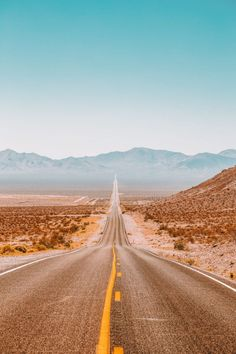 travel aesthetic 21 Fun Cities In The US You Have To Visit Bedroom Wall Collage, Photo Wall Collage, Picture Wall, Aesthetic Backgrounds, Aesthetic Iphone Wallpaper, Aesthetic Wallpapers, Retro Wallpaper, Road Trip Photography, Food Photography