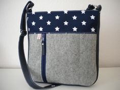 *Eine stilvolle Begleitung, nicht nur für die kalte Jahreszeit: Stars & Sternchen in weiß auf Marineblau, echter Wollfilz grau meliert & marineblaues