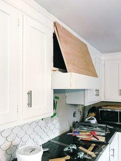 Wood Hood Vent, Kitchen Vent Hood, Stove Vent, Stove Hoods, Farmhouse Kitchen Decor, Kitchen Redo, Farmhouse Sinks, Kitchen Storage, Kitchen Remodel