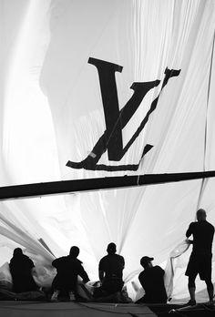 Les montres Louis Vuitton prennent le large pour l'America's Cup http://www.vogue.fr/joaillerie/a-voir/diaporama/horlogerie-les-montres-louis-vuitton-prennent-le-large-pour-l-america-s-cup-louis-vuitton-cup-san-francisco-regates/14320/image/802646