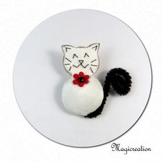 broche chat blanc fleur rouge - Boutique www.magicreation.fr