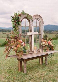 barn wedding backdrop #barnweddings