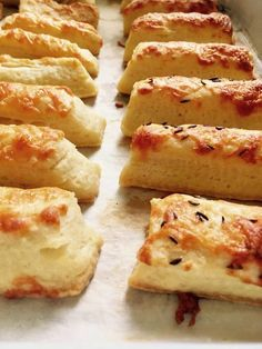 Pastry Recipes, Dessert Recipes, Cooking Recipes, Mini Desserts, Delicious Desserts, Homemade Crackers, Good Food, Yummy Food, Salty Snacks