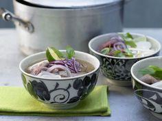 Vietnamesische Suppe - mit Rindfleisch und Reisnudeln - smarter - Kalorien: 346…