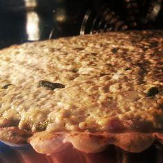"""מתכון """"קיש גבינות ובצל"""" מאתר המתכונים של אסם בישולים ברשת. Meat, Chicken, Food, Essen, Meals, Yemek, Eten, Cubs"""