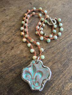 SALE Fleur de Lis Cross Crochet Necklace por TwoSilverSisters