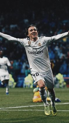 Greatest Midfielder in the World. Real Madrid Football Club, Football Is Life, Liga Soccer, Real Madrid Wallpapers, Lionel Messi Wallpapers, Messi And Ronaldo, Soccer News, National Football Teams, Football Wallpaper