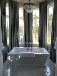 LOVELOVELOVE the modern update of this classic tub
