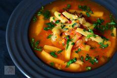 Mancare de pastai cu carne de pui - CAIETUL CU RETETE Vegan Dinners, Thai Red Curry, Food And Drink, Cooking, Ethnic Recipes, Soups, Inspiration, Vegan Food, Diet
