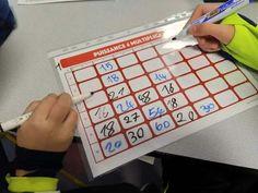 S'entraîner aux tables avec les puissance 4 multiplication   maître françois Division Posée, Teaching, Education, Coins, Classroom, Awesome, Diy, Names, Learning Multiplication Facts