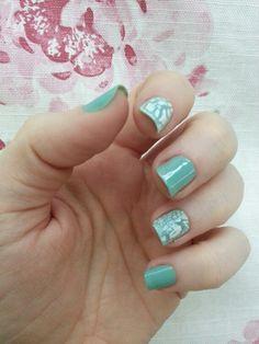 Crack. Nsil art. Nail. White. Green. Tiffany
