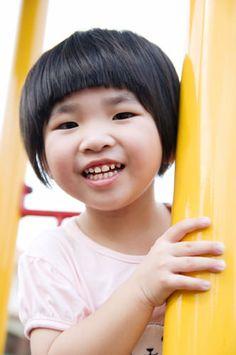 Cute Short Cut with Fringe Geometric Cut for a Little Girl