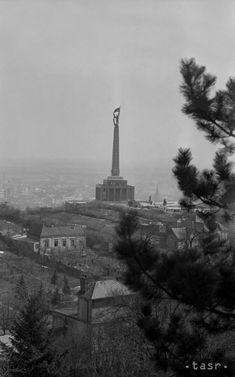 Stará Bratislava Bratislava, Arches, Statue Of Liberty, Paris Skyline, Photography, Travel, Times, Statue Of Liberty Facts, Photograph