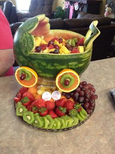 Watermelon Baby Carriage Wassermelone Kinderwagen Source by . Baby Shower Cakes, Baby Shower Fruit Tray, Baby Shower Snacks, Baby Shower Fun, Shower Party, Baby Girl Shower Food, Baby Shower Appetizers, Baby Fruit, Baby Shower Desserts