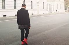 「red sneakers outfits men」の画像検索結果 Red Sneakers Outfit, Normcore, Running, Outfits, Shopping, Style, Fashion, Swag, Moda