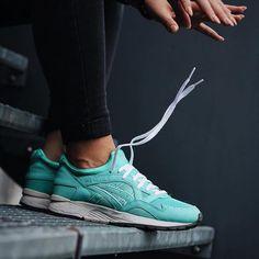 Sneakers femme - Asics Gel Lyte V x Ronnie Fieg (©eskalizer187)