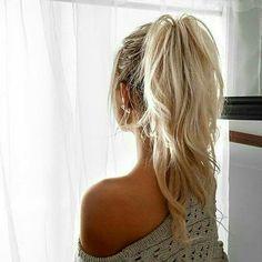 messy ponytail. long hair. blonde