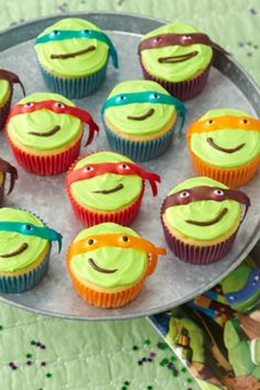 Give the kiddos a Teenage Mutant Ninja Turtles party with Turtle power cupcakes!