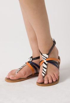 Zebras Toe Post Flat Sandals