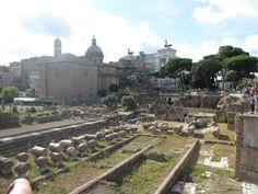 Roman ruins, Palatine Hill, Roman Forum  http://www.itgirlweddings.com/wifestyle/a-tour-through-the-colosseum