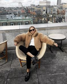 """9,715 mentions J'aime, 193 commentaires - Jessie Bush (@wethepeoplestyle) sur Instagram : """"London, you can't keep me away @melondonhotel"""""""