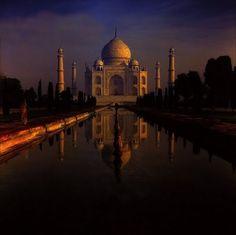 Agra Taj Mahal (Palazzo della Corona) - Old slide digitized Taj Mahal, Places Around The World, Around The Worlds, India Holidays, Future Travel, Agra, Travel And Leisure, India Travel, Dream Vacations