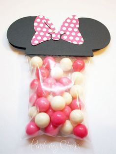 Minnie mouse favor party bags with pink polka dot bow perfect for Minnie Mouse Favors, Mickey E Minnie Mouse, Theme Mickey, Minnie Mouse 1st Birthday, Minnie Mouse Baby Shower, Mickey Party, Mini Mouse Party Favors, Happy Birthday B, 2nd Birthday Parties