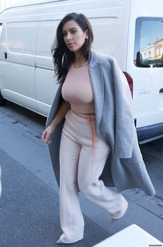 Kim arriving at the Fox FM Studios in Melbourne 19th November 2014