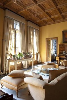 So cozy and warm from Belgian designer and decorator Edith Gybels (photos Bieke Claessens) featured on Greet Lefevre's Belgian Pearls. Home Living Room, Living Spaces, Belgian Pearls, Villa, Yellow Walls, Gold Walls, Interior Design Companies, Beautiful Interiors, Great Rooms