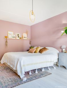 11 Cool Pink Bedroom Ideas That Can be Pretty - All Bedroom Design Light Pink Bedrooms, Pink Bedroom Walls, Pink Room, Bedroom Colors, Home Bedroom, Room Decor Bedroom, Bedroom Ideas, Design Bedroom, Master Bedroom