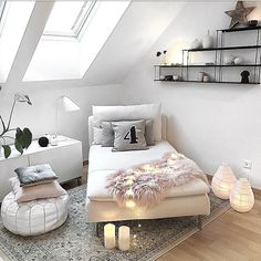 Bedroom ideas for simply dreamy escape. Why not Try the bedroom design reference 1835623532 immediately. Home Bedroom, Bedroom Decor, Bedrooms, Bedroom Corner, Corner Beds, Bedroom Ideas, Cozy Corner, Home And Deco, Dream Rooms