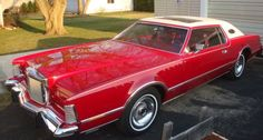 1975 Lincoln Continental Mk IV  Red with white vinyl roof