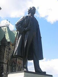 Wilfrid Laurier — Wikipédia