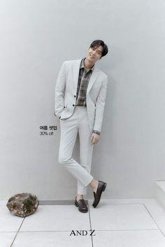 Lee Min Ho Photos, New Actors, Blockbuster Movies, Boys Over Flowers, Kdrama Actors, Actor Model, Minho, Korean Actors, Suit Jacket