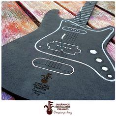 Detalle portallaves guitarra / guitar keyholder