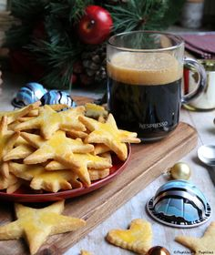 #recette #bredele  : #biscuits de #Noël #biscuits #sablés Lets Celebrate, Holidays And Events, Waffles, Xmas, Christmas, Cheese, Cookies, Breakfast, Recipes