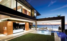 Beautiful House. I want to live here!