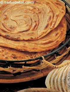 Coriander not only lends a delicious flavour to these rotis but also increases its vitamin a and c content.