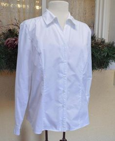 Christoper Banks Classic Fitted Blouse Shirt L White Classic Career Slacks Comfy #ChristopherBanks #FittedBlouse #Casual