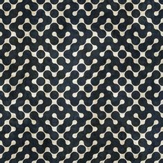 gregmelander:  PATTERN A lovely circle pattern glomming together. via P