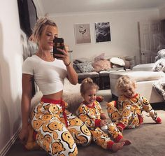 beautiful, family, and outfit image Cute Family, Baby Family, Family Goals, Beautiful Family, Outfits Madre E Hija, Tammy Hembrow, Future Mom, Foto Baby, Mom Daughter