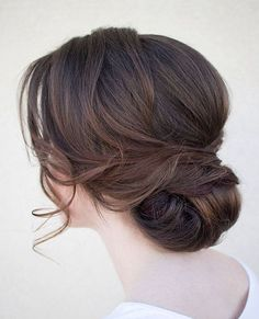 Hair chignon, bridal hair updo loose, low bridal updo, soft wedding hair, w Indian Wedding Hairstyles, Bride Hairstyles, Gorgeous Hairstyles, Hairstyle Ideas, Hairstyle Wedding, Bridesmaid Hairstyles, Bridesmaids Updos, Vintage Hairstyles, Chignon Wedding