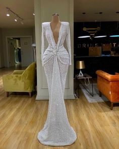 Classy Dresses A must Have In A Regal Womans Wardrobe 6 Outfits For Curvy Ladies 2020 Source by fancycakeplus ideas curvy Glam Dresses, Event Dresses, Pretty Dresses, Fashion Dresses, Formal Dresses, Sexy Dresses, Flattering Dresses, Summer Dresses, Casual Dresses