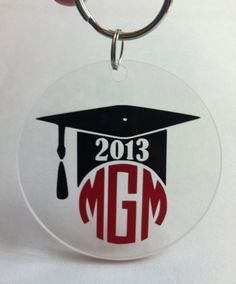 Graduation monogram keychain/bag tag Silhouette Vinyl, Silhouette Cameo Projects, Christmas Activities For Kids, Kids Christmas, Vinyl Crafts, Vinyl Projects, Totoro, Acrylic Keychains, Christmas Photo Cards