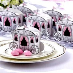 """""""Enchanted Carriage"""" Favor Boxes. Perfect for a princess party. I think this could be easily be a DIY."""