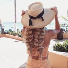 How to create these fun {pull-through braid} PIGTAILS? Blonde wavy pull through braid tutorial, braids and plaited hairstyle tutorials. Cute and quick hairstyle idea. Plaits Hairstyles, Pretty Hairstyles, Fringe Hairstyles, Hair Extension Hairstyles, Hairstyles With Extensions, Cute Quick Hairstyles, Classy Hairstyles, Beach Hairstyles, Hairstyles Videos