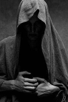 """""""...Nuestra capacidad de hacer la paz  con otra persona y con el mundo depende  en gran medida de nuestra capacidad de  hacer la paz... con nosotros mismos!!!...""""  Thich Nhat Hanh"""