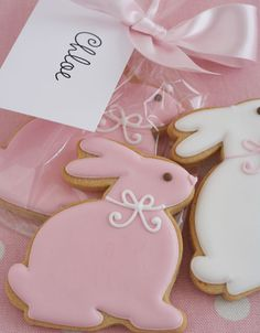 Sweet and simple bunny cookies (Peggy Porschen). More