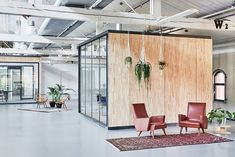 Image 1 of 20 from gallery of Fairphone Head Office in Amsterdam / Melinda Delst Interior Design. Photograph by James Stokes Photography